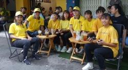 Tuấn Anh, Văn Toàn giúp quán càphê của thủ môn Kiều Trinh đông khách
