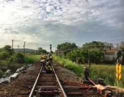 Sáu tháng chạy tàu, đường sắt lỗ hơn 450 tỷ đồng