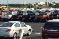 Xe ôtô nhập từ Indonesia về Việt Nam chưa thuế giá gần 300 triệu đồng