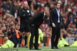 Man United đấu Chelsea: Solskjaer phản pháo Lampard vì VAR