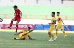 Trớ trêu khi cầu thủ xứ Nghệ giúp Viettel đánh bại Sông Lam Nghệ An