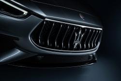 Ghibli Hybrid 2021 động cơ lai xăng điện, phép thử hạng sang của Maserati