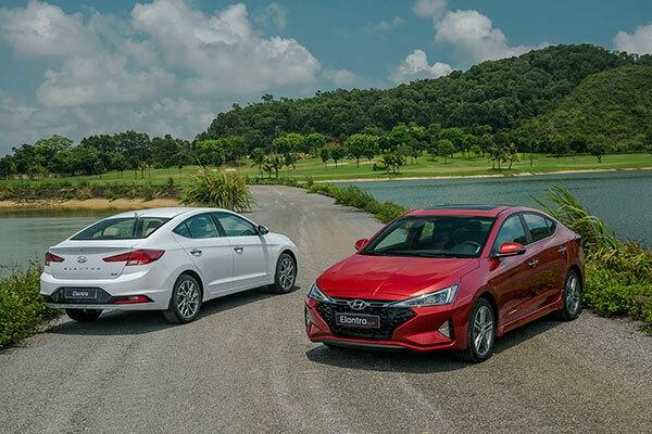 Hyundai Elantra giảm giá 40 triệu đồng - 2