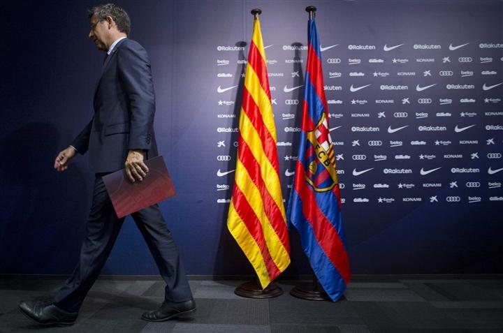 Barca khủng hoảng tài chính, Messi chưa chắc đá LaLiga 2021/2022 - 2