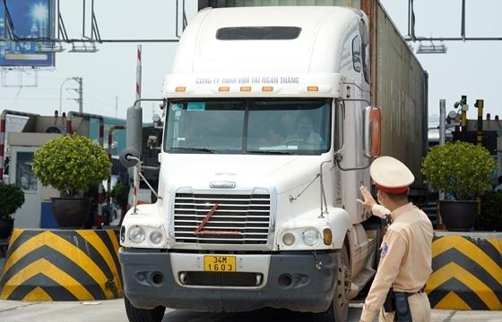 Người dân cần mang theo giấy tờ gì khi qua các chốt kiểm dịch vào Hà Nội?