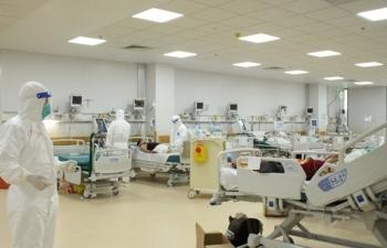 TP.HCM đề xuất Bộ Y tế chi viện thêm 5.000 bác sĩ, nhân viên y tế