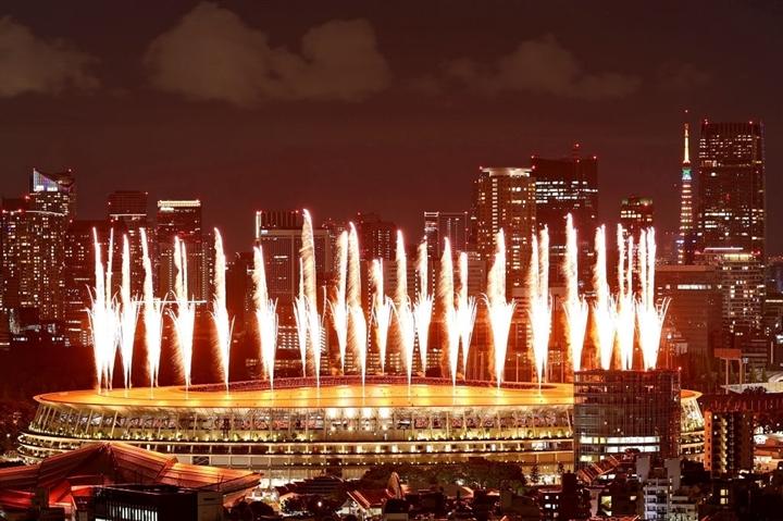 Olympic Tokyo 2020: Lễ khai mạc rực rỡ, Naomi Osaka thắp đài lửa - 5