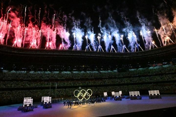 Olympic Tokyo 2020: Lễ khai mạc rực rỡ, Naomi Osaka thắp đài lửa - 2