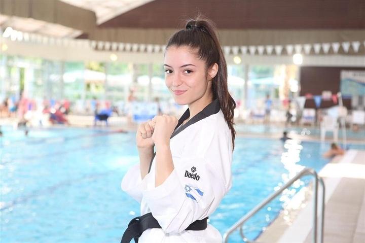 Olympic Tokyo 2020: Vẻ đẹp hút hồn của nữ võ sĩ Israel gây sốt dân mạng - 2