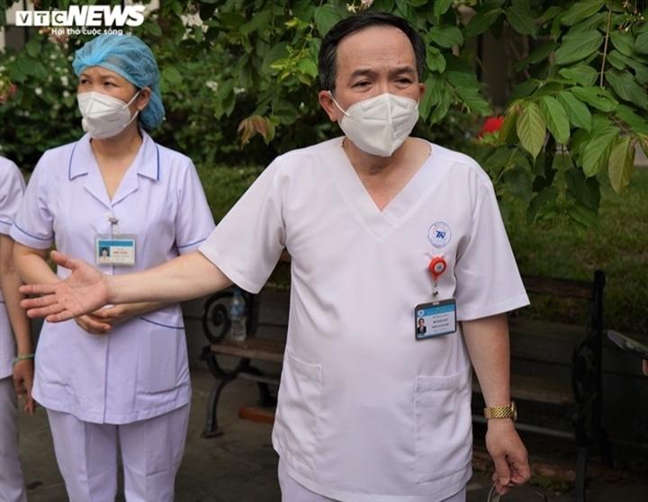 730 bệnh nhân COVID-19 ở Bệnh viện dã chiến số 8 ở TP.HCM được xuất viện - 1