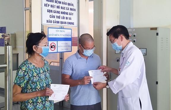 Thêm gần 1.900 bệnh nhân COVID-19 ở TP.HCM được xuất viện