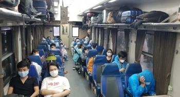Đường sắt vận chuyển miễn phí các thầy thuốc vào phía Nam hỗ trợ chống dịch