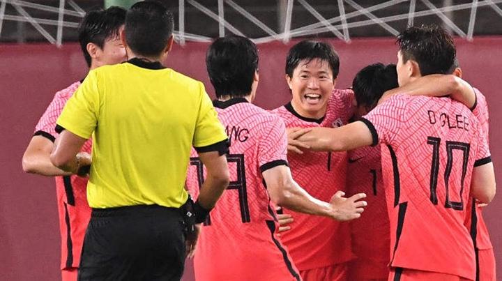 Olympic Tokyo: Lee Kang In lập công, Hàn Quốc đè bẹp Romania - 2