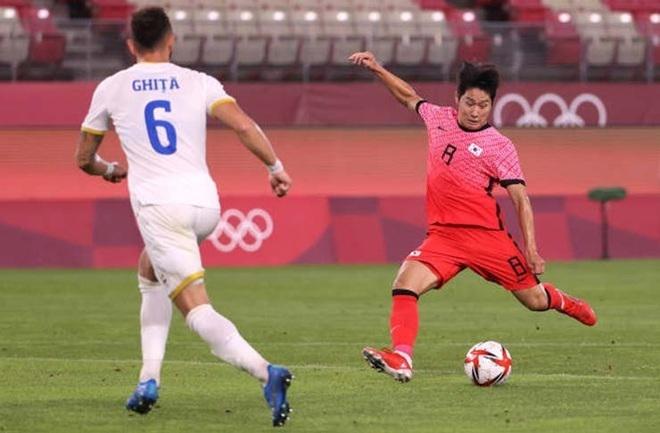 Olympic Tokyo: Lee Kang In lập công, Hàn Quốc đè bẹp Romania - 1