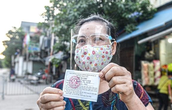Bí thư Hà Nội yêu cầu triển khai ngay mô hình phát phiếu đi chợ, siêu thị