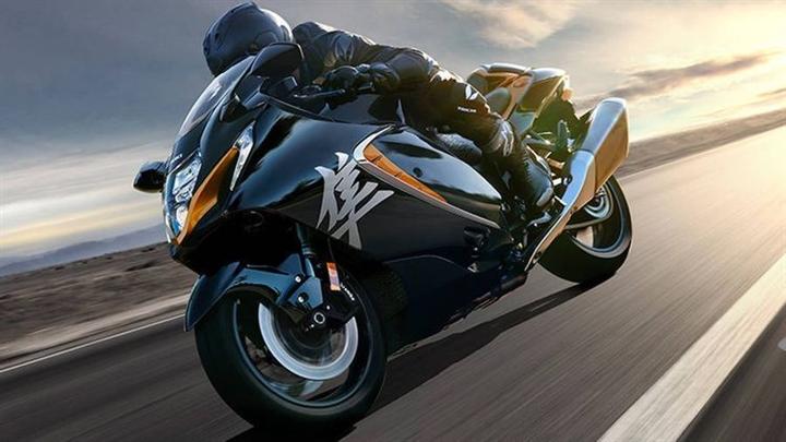 6 mô tô đường phố tốt nhất 2021 - 2