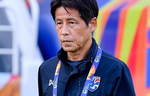 Tuyển Thái Lan sớm tan mộng World Cup, HLV Nishino bị sa thải