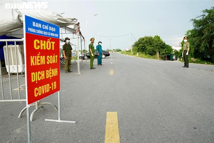 Ảnh: Trình giấy đi đường không hợp lệ, nhiều người Hà Nội phải quay đầu xe - 5