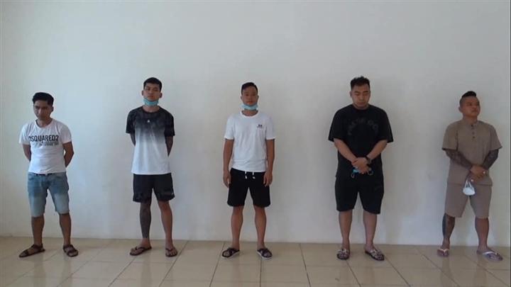 Bắt quả tang 'thánh chửi' Dương Minh Tuyền bay lắc trong quán hát ở Ninh Bình - 1