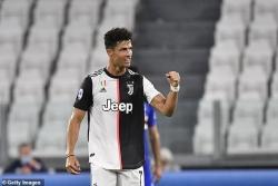 Mừng vô địch Serie A, Ronaldo sắm siêu xe hàng thửa