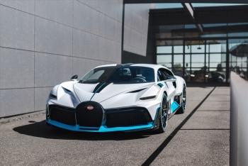 Cận cảnh những chiếc siêu xe 6 triệu USD đầu tiên của Bugatti