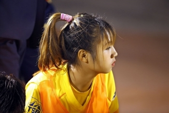 Hotgirl Trần Thị Duyên nỗ lực hồi phục chấn thương nhờ thần y Choi