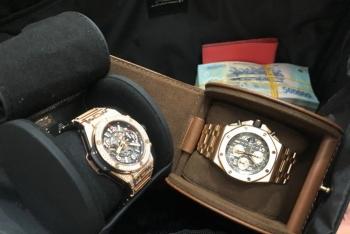 Khách đi máy bay hạng thương gia bỏ quên nửa tỷ đồng và đồng hồ hiệu