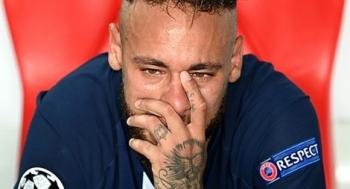 Neymar rơi nước mắt sau thất bại trước Bayern