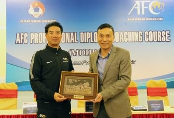 Đối tác của HLV Park Hang-seo bắt đầu công việc tại VFF