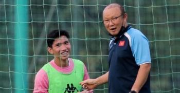 Thầy Park cũng phải bất ngờ với thể hình của Đoàn Văn Hậu