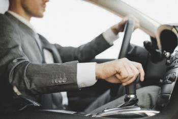 Bỏ túi kinh nghiệm lái xe số tự động an toàn và tiết kiệm