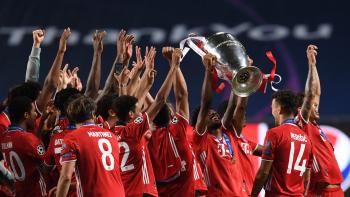 Đội hình tiêu biểu Champions League: Có Messi, không Ronaldo