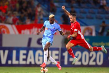 Một loạt giải bóng đá Việt Nam lên lịch lăn bóng trở lại