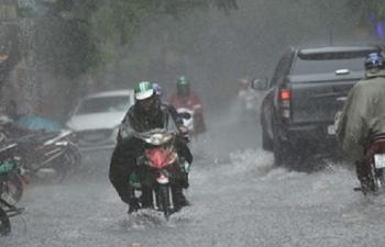 Thời tiết ngày 1/8: Bắc Bộ mưa to, Trung Bộ kéo dài chuỗi ngày nắng nóng