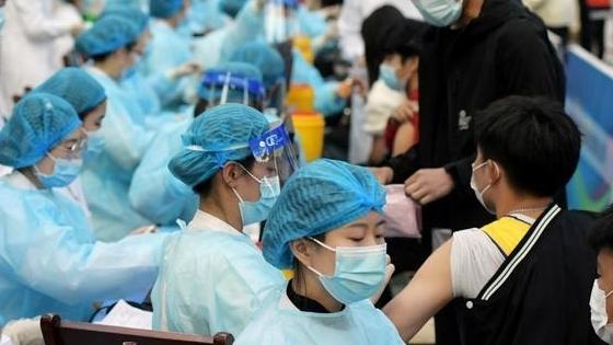 Lo ngại biến thể Delta, Trung Quốc xem xét tiêm liều vaccine thứ 3