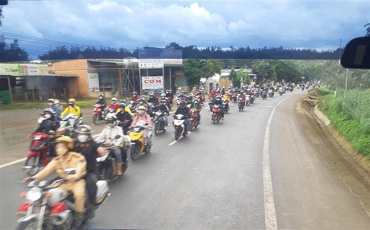 Tạm hoãn đón công dân từ phía Nam về Đắk Lắk tránh dịch COVID-19 - 1