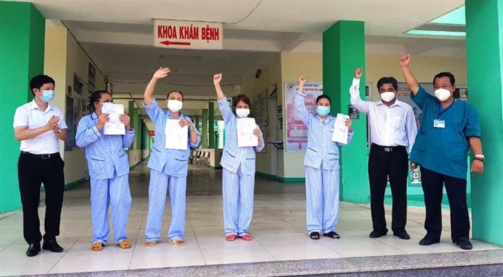 TP.HCM cho gần 3.500 bệnh nhân COVID-19 xuất viện trong 1 ngày - 1