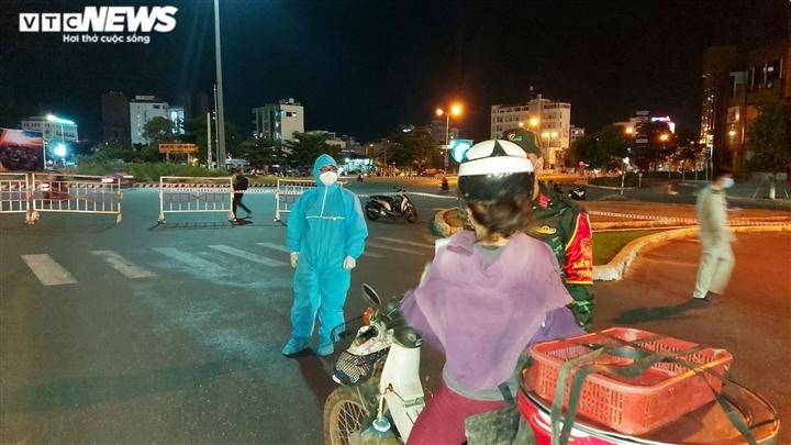 Đà Nẵng: Chuỗi lây nhiễm cảng cá Thọ Quang tiếp tục thêm 53 F0 mới  - 1