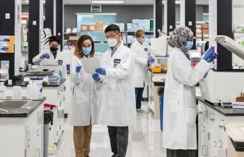 Chuyển giao công nghệ sản xuất 200 triệu liều vaccine COVID-19/năm tại Việt Nam
