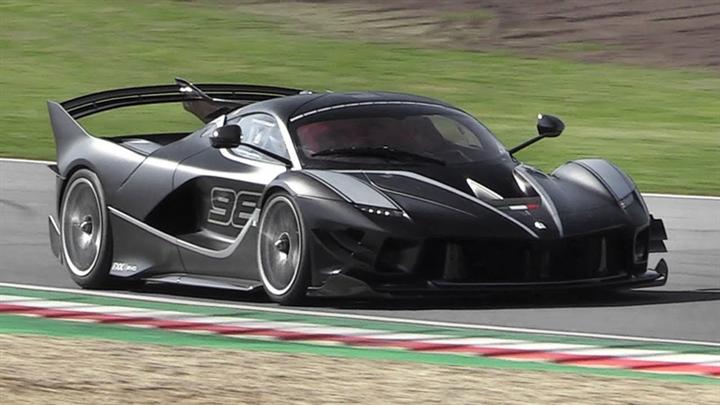5 siêu xe phiên bản đặc biệt nhất Italy - 2