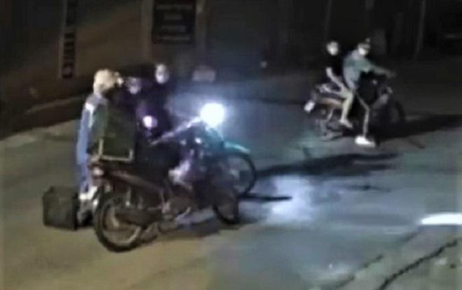 Nữ lao công bị cướp xe máy trong đêm ở Hà Nội - 1