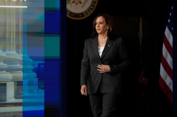 Phó Tổng thống Mỹ thăm Việt Nam, ủng hộ các quy tắc quốc tế ở Biển Đông - 1