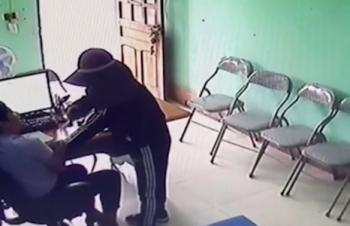 Nữ quái khống chế nhân viên quỹ tín dụng cướp tiền ở Hà Tĩnh