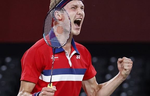Axelsen: Học tiếng Trung để thắng người Trung Quốc, vô địch Olympic Tokyo