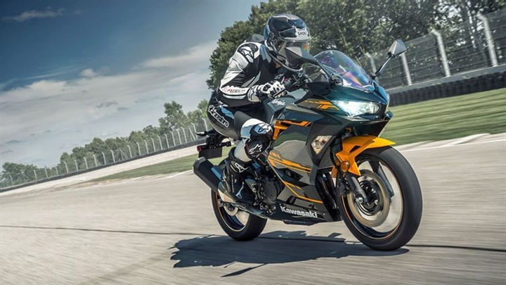 6 mô tô thể thao tốt nhất cho người mới lái - 2