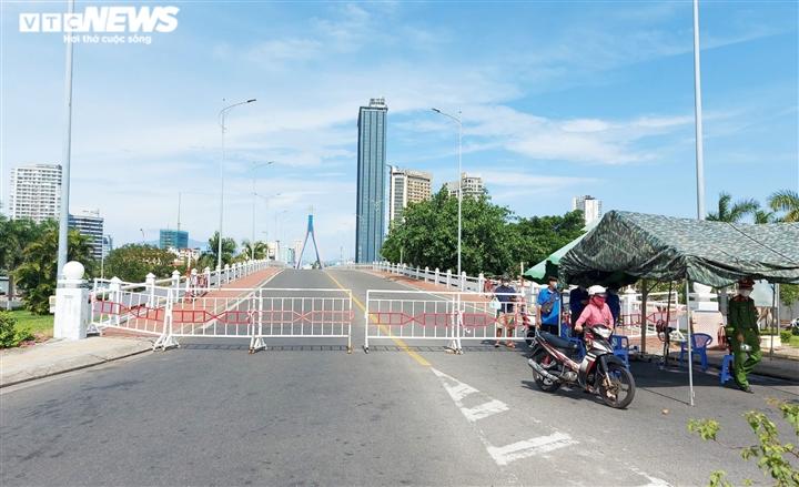 Đà Nẵng đóng 2 cầu Sông Hàn và Thuận Phước để 'làm sạch' vùng dịch Sơn Trà - 1
