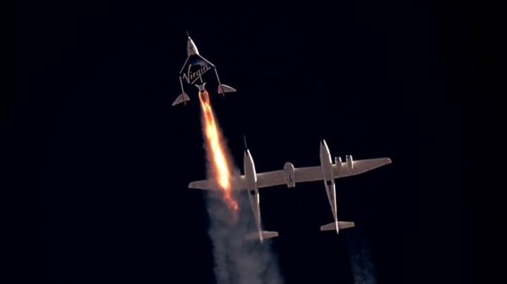 Vé bay vào vũ trụ được bán trở lại, giá tăng gấp 2 lần - 1