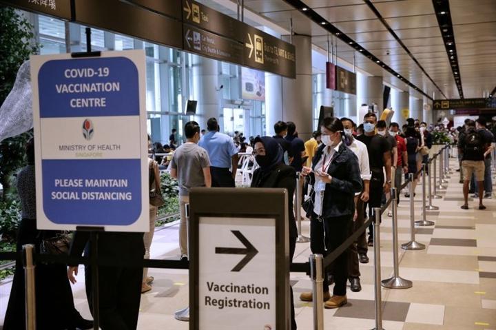 Bác sĩ Singapore trở thành tỷ phú USD trong đại dịch COVID-19 - 2