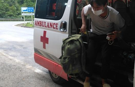 Hết tiền, 4 người đi bộ hàng trăm km về Lai Châu được người Quảng Bình giúp đỡ