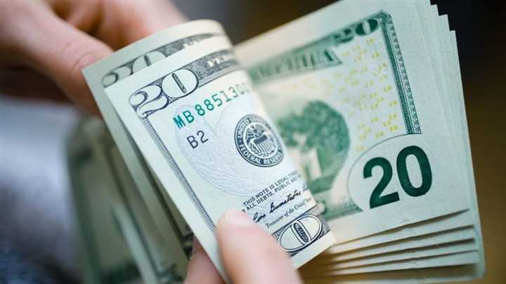 Tỷ giá USD hôm nay 8/8: USD tăng phi mã, giá 'chợ đen' lên 23.290 đồng   - 1